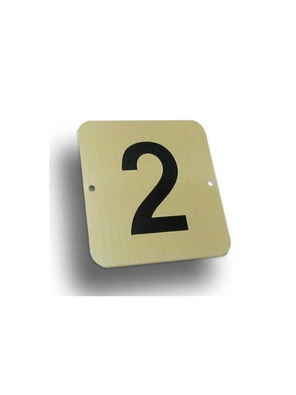 Número aluminio Mod. C - Número pisos aluminio dorado. Medida: 8x8 cm.