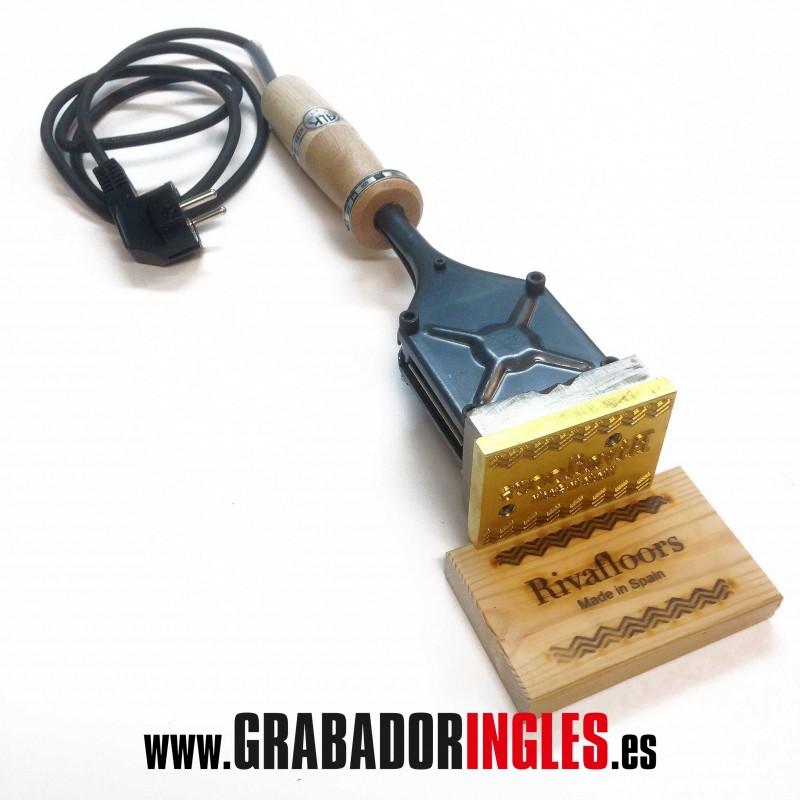 Sello termograbado 200-300-400W para madera. - Sello termograbador para madera de diferentes medidas dependiendo de la potencia del termograbador de 200W, 300W o 400W. Los tamaños disponibles del sello para madera son de 50x25 mm., 70x25 mm., 90x20 mm., 45x40 mm, 90x40 mm., 110x30 mm., 75x50 mm., 70x70 mm. y  35 mm., 50 mm. o 60 mm. de diámetro. El grabado del sello para madera se hace sobre una pieza de metal y se puede grabar dibujos, logotipos y textos. Los precios indicados incluyen el termograbador y el sello grabado.